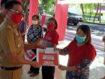 Bupati Joune Serahkan Bantuan Langsung BLT Bagi Warga Desa