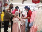 Jelang Idul Fitri, Kapolresta Laoli Bagikan Pakaian Bagi Anak Panti Asuhan
