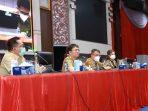 Walikota Andrei Angouw beserta Walikota Walikota Manado Richard Sualang pimpin rapat perdana di Pemkot Manado