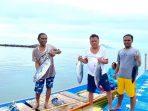 Gubernur Olly dengan nelayan Tanawangko
