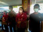Rafael Malalangi bersama keluarga saat didampingi anggota DPRD Sulut asal Minsel Sandra Rondonuwu (SaRon) menyambangi Polda Sulawesi Utara (Sulut)