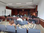 - Persidangan kasus dugaan pencemaran nama baik, yang menyeret terdakwa DR MLMP alias Mariam yang adalah Wakil Dekan II Fakultas Ilmu Budaya (FIB) Universitas Sam Ratulangi Manado